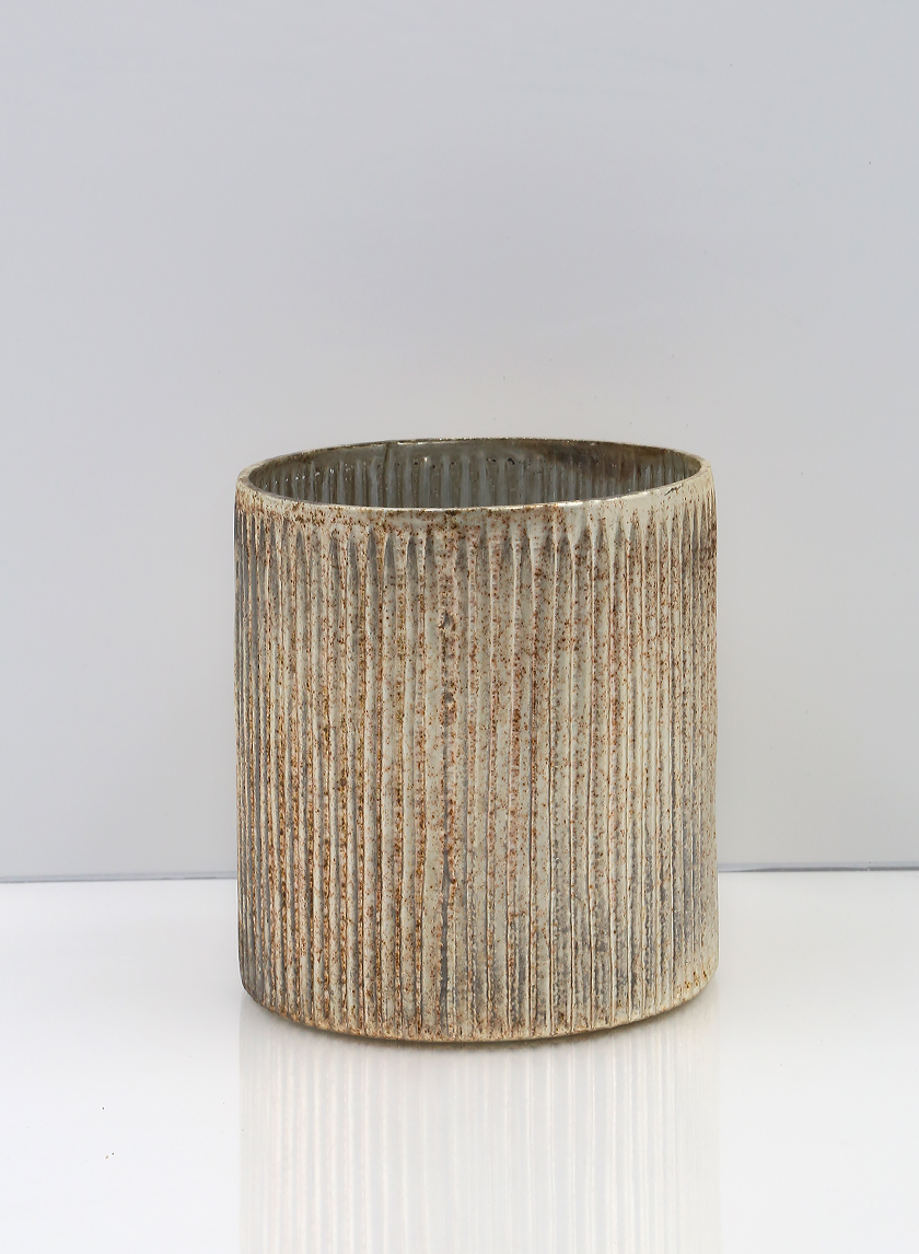5 1/4in Ribbed Rust & Silver Cylinder
