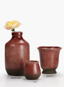 4in Pistola Distressed Garnet Earthenware Vase