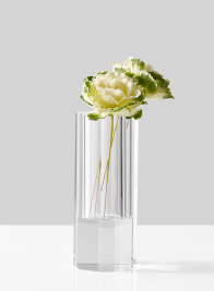 modern-crystal-bud-vase-with-ornamental-cabbage