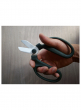 how to hold sakagen the florist scissors florist tool